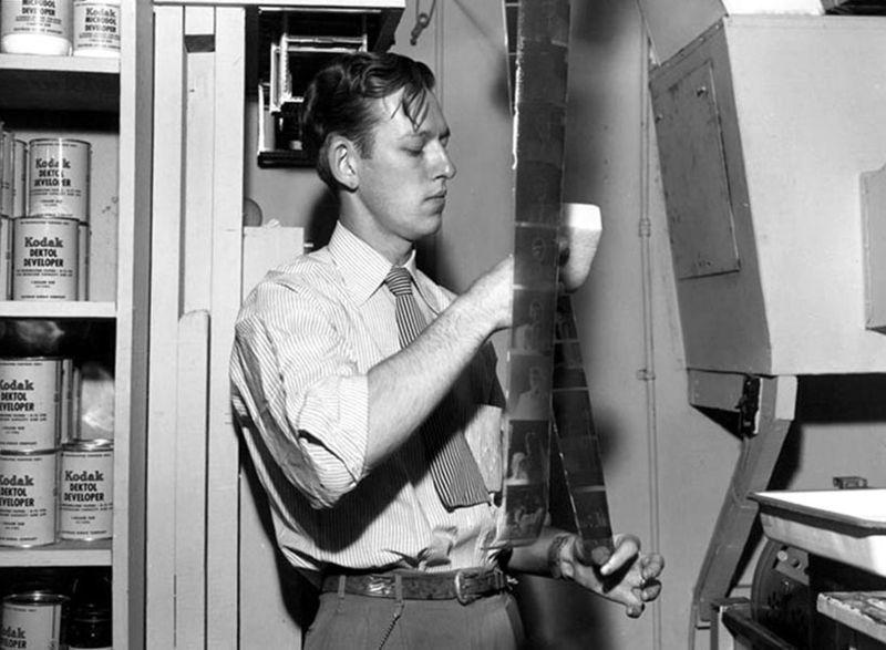Ed_Westcott_in_darkroom_1945
